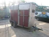 Ivor Williams horse box red
