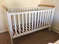 Mamas & Papas Prairie cot bed plus mattress, second hand, disassembled