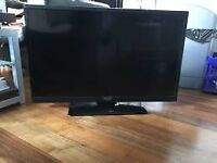32 INCH HDTV BY POLAROID WITH STAND £75 PICK UP HEWORTH GATESHEAD