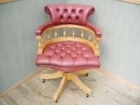 Leather Captains Chair in Nice condition Red/Pink Can deliver Localy