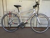 SPECIALIZED SIRRUS BRAND NEW CONDITION 24 SPEED XL FRAME BIG CHAIN LOCK MUDGUARDS