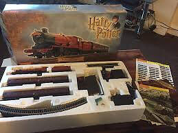 HARRY POTTER TRAIN SET IN AS NEW CONDITION.....IMMACULATE