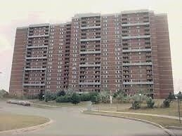 BUY LOW! LIVE HIGH! TWO BEDROOMS / 2 WASHROOMS CONDO UNIT!