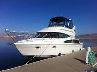 CARVER 36 Sports Sedan - clean, low hours and covered slip!