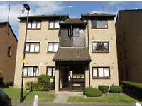 Spacious 2 bed flat close to transport and park, 997 year lease