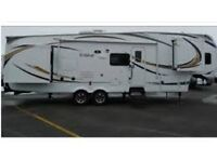 Fifth Wheel Trailer Excellent Condition