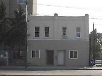 1 bachelor on main St close to downtown - OCT 15