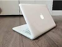 13' White MacBook Unibody 2.4GHz 8GB 250GB HD QuarkXPress Capture One Pro Adobe Photoshop Lightroom