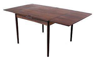 Superbe Danish Rosewood Dining Table