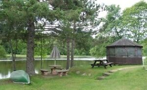 AFFORDABLE 4 SEASON WATERFRONT HOME !! 20 min to Blind or Elliot