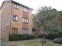 Newly decorated ground floor 2 bed flat with parking 5 mins of Lower Edmonton bus/train station