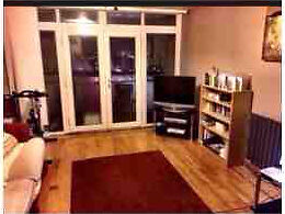 Double rooms available in Wanstead 30seconds from station