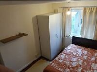amazing double room, 150PW, zone 1, 10 mins to tower bridge, real pics, real postcode, call now
