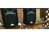 Set of w/audio psr15a powered speakers
