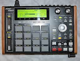 Akai MPC1000, 128MB RAM, JJ OS installed, with Flash Card