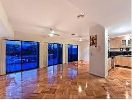 LAXURY WATERFRONT HOME 20 MIN. WALKING DISTANCE TO SURFERS Surfers Paradise Gold Coast City Preview