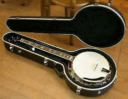 Iida 5 string banjo with case, strap and    chord booklet