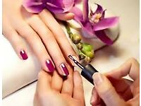 BROW/NAIL TECHNICIANS REQUIRED- STIRLING