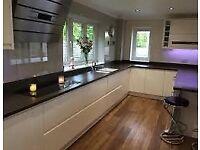 Kitchen Fitter (20 yrs exp) Kitchens,Earthstone, Minerva, Installer