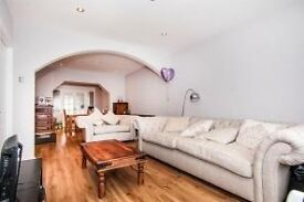 Very nice 5 bed house in upton park/east ham-Dss Welcome