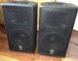 SPEAKERS AMPLIFIEES YAMAHA DSR 112, SACS SUBWOOFER STAND
