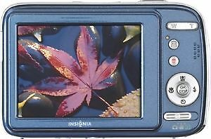Insignia NS-DSC1112 12MP 4x Optical Zoom 2.7in LCD Display Digit