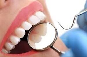 **LOOKING FOR A DENTURIST, OR DENTIST, OR ANY DENTAL SERVICE*