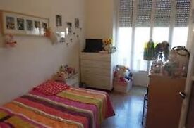 Move in today to Stratford single room available