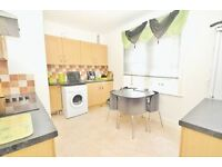 Spacious 2 bedroom flat in Winton very close to all amenities