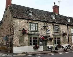 Chef & Partner for Bar - LIVE IN - Lovely Inn, Woodstock Oxford. On a fantastic bus route