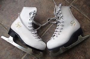 Boucherville- Paire de patin pour Fille Grandeur 1.5 ou 33