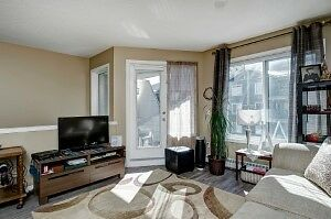 Townhouse ideal for 1st time buyer - no age restrictions