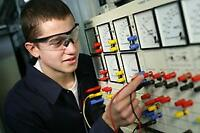 Electrician apprenticeship - Choose your specialty. Entry level