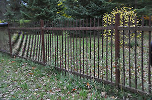 VINTAGE IRON FENCING -20 8ft Sections-by 41in High++(160ft)