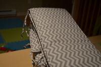 Contournde lit de bébé motif chevron