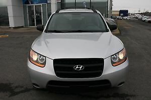 2009 Hyundai Santa Fe Silver/black leather,Sunroof,1 owner SUV !