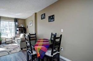 TOWNHOUSE - McKENZIE TOWNE - STEPS AWAY FROM HIGH STREET