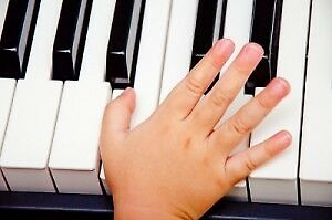 PIANO LESSONS AT YOUR HOME!