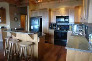 Big White Luxury Copper Kettle Lodge Condo