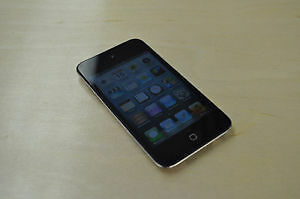 Ipod touch 4th  gen  8 gb    No cracks never abused