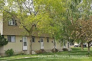 West Lethbridge 3 bed townhouse. Walk to UofL