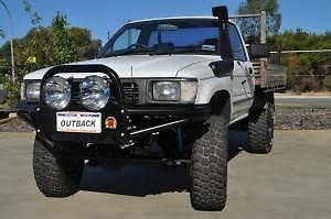 TOYOTA HILUX 1997 - 10/2001 - XROX BAR SINGLE LOOP Oxenford Gold Coast North Preview