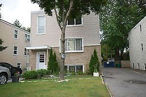 Spacious one bedroom plus den available September 1st