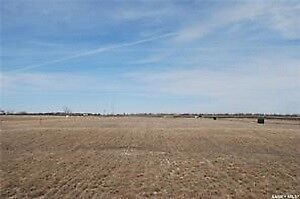 66 x 131 serviced lot in Bethune