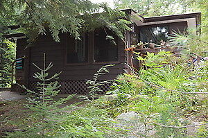 Small 2 Bedroom house rental on Muskoka River