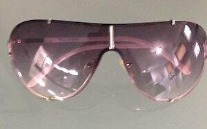 Guess- Sunglasses - Excellent Condition