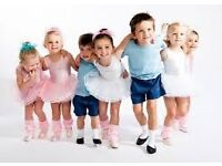 TINY TOTS BALLET CLASSES