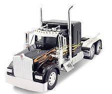 1 32 Scale Model Trucks