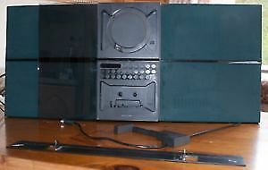 Bang and Olufsen BeoSound 2000 with remote and original manuals