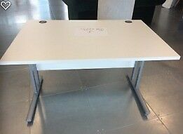 White Office desks ( 1200cmX800cm) x 5 available